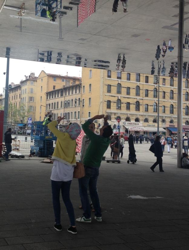 Marseille miroir ombriere